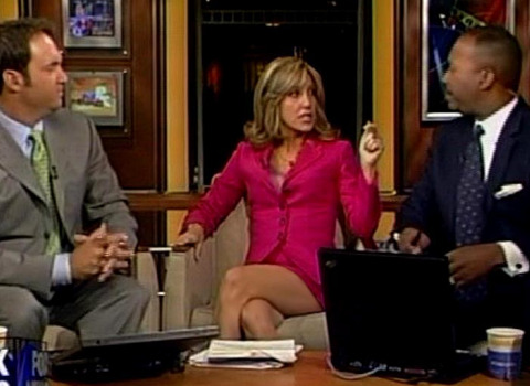 Female News Anchor Legs http://www.ihatethemedia.com/fox-news-anchor-babes-short-skirts-video-photo