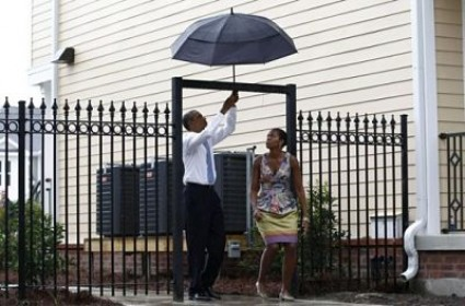 obama-umbrella-mystery