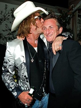 Mickey Rourke, Sean Penn share a moment (and probably some Quaaludes) on Oscar night.