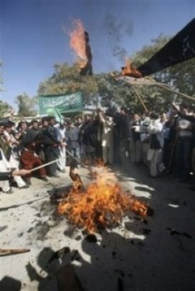 Racist Afghani students burn President Obama in effigy
