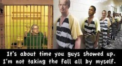 Hillary-in-jail-again