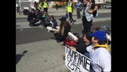 trump protest chain_1461951196373_1245578_ver1.0_640_360